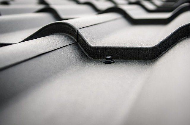 repairing roofs with plasti dip